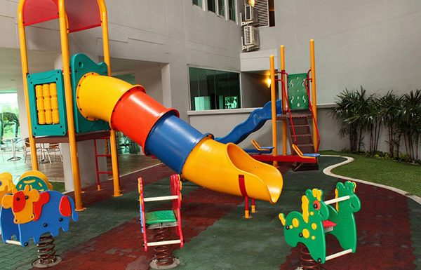 The-Star-Narathiwas-Bangok-condo-for-sale-kid-area